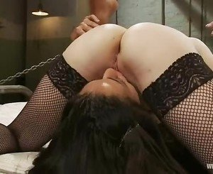 Slut Aiden Starr licks out Layla Storms snatch
