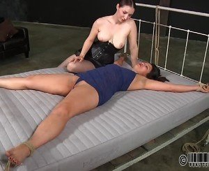 Slave gets her beaver punished from lusty goddess