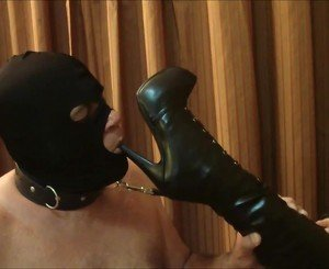 Kiss My Boots: Free BDSM HD Porn Video 4d -