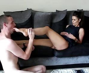 Female Foot Master: Free Amateur Porn Video 25 -