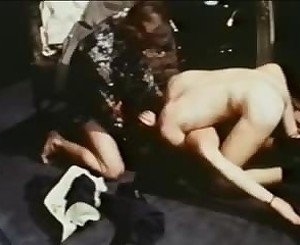 Ballshuntress: Free Vintage Porn Video 93 -