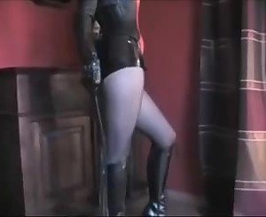 Domi6na in Latex: Free German Porn Video 3a -