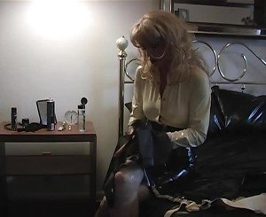 Cute Blonde Dresses the Slut in Leather, Porn fa: