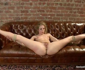 Sizzling Chastity Lynne gets her snatch fist fucked