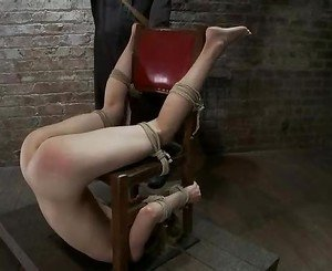 Bondaged loving hot chick enjoys the feeling of getting tied...