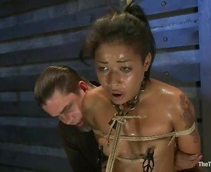 Sexy Skin Diamond gets suspended above a sybian