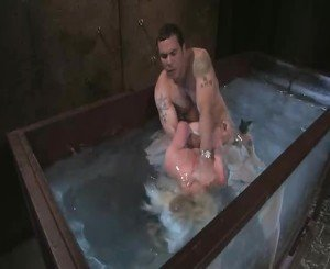 Lorelei Lee & Steven St. Croix   Have Wet & Wild Waterservitude Sex!